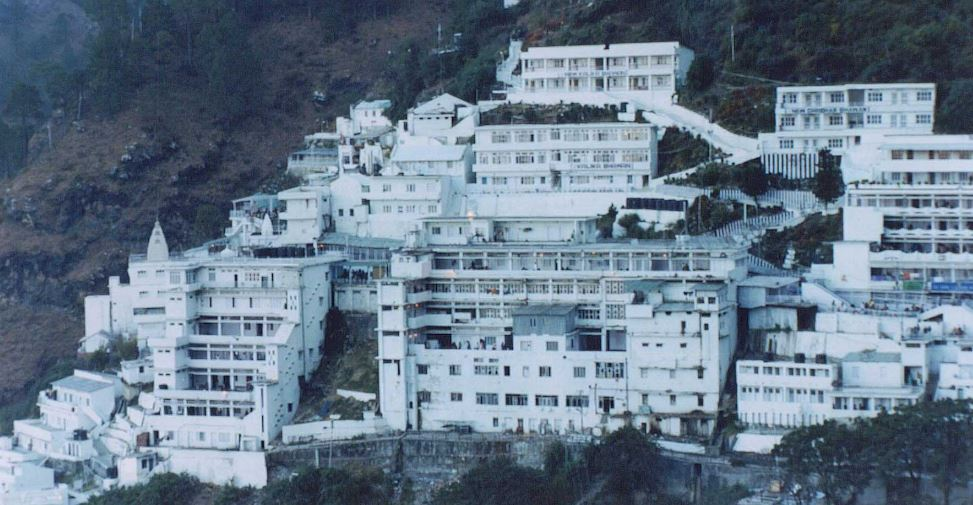Planing to visit Vaishno Devi this Navratri or Summer Vacation? Think Again